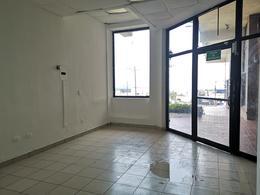 Foto Local en Renta en  Cumbres 4to Sector,  Monterrey  Local en renta Cumbres