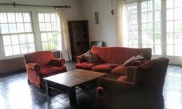 Foto Casa en Venta en  Turdera,  Lomas De Zamora  Esquiú 65