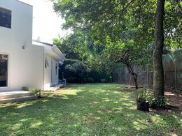 Foto Casa en Venta en  San Rafael,  Escazu  Escazú/ Casa independiente/ Habitación principal en primer nivel/ 807m2 de terreno