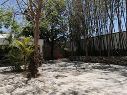 Foto Local en Renta en  México,  Mérida  Local Comercial Sobre Avenida Superficie De 382 m2 En Col. México