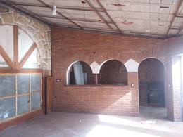 Foto Local en Alquiler en  Nueva Cordoba,  Capital  Chacabuco al 700