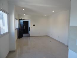 Foto Departamento en Alquiler en  Lanús ,  G.B.A. Zona Sur  Juncal al 1200