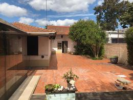 Foto Local en Venta en  Adrogue,  Almirante Brown  Av San Martin 1430