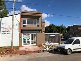Foto Galpón en Venta en  Ezeiza ,  G.B.A. Zona Sur  Salta 565