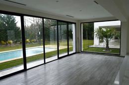 Foto Casa en Venta en  Saint Thomas,  Countries/B.Cerrado (E. Echeverría)  Av. Catex al 3300