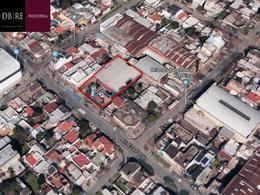Foto Nave Industrial en Venta en  Billinghurst,  General San Martin  Eva Perón al 3500