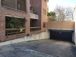 Foto Cochera en Venta en  La Plata,  La Plata  9 e 42 y 43 cochera cubierta