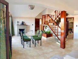 Foto Casa en Venta en  Rio Ceballos ,  Cordoba  Apta Crédito - Hermosa Casa en Rio Ceballos - 4 Dor - 2 bñs - Cocheras - Balcones y Más!!!