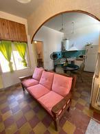 Foto Casa en Venta en  Ezpeleta Este,  Quilmes  Sobral 831