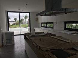 Foto Casa en Alquiler en  Albanueva,  Countries/B.Cerrado  Casa Racionalista al rio en Albanueva