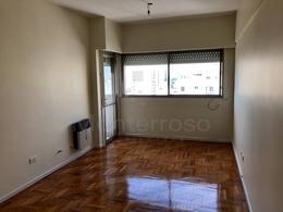 Foto Departamento en Venta   Alquiler en  Quilmes,  Quilmes  Lavalle al 600