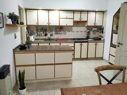 Foto Casa en Venta en  Adrogue,  Almirante Brown  Int. Gonzalez al 1400