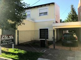 Foto Casa en Venta en  Ituzaingó ,  G.B.A. Zona Oeste  Puerto de Palos al 1200