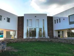 Foto Casa en Venta en  Terravista,  Countries/B.Cerrado (G. Rodriguez)  Casa racionalista -Terravista Contry Club Gral. Rodriguez