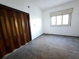 Foto Casa en Venta en  Abasto,  Rosario  Italia 2380