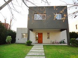 Foto Casa en Venta en  Lagos Del Norte,  Countries/B.Cerrado (Tigre)  Alsina al 3100, Barrio Lagos Del Norte