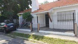 Foto Casa en Venta en  Adrogue,  Almirante Brown  GENERAL PAZ 878, entre Italia y Uriburu