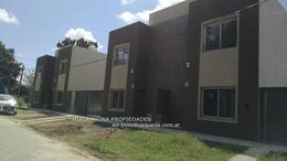 Foto Casa en Venta en  José Hernández,  La Plata  CALLE 135 y 514