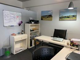 Foto Oficina en Venta en  Centro Comercial ,  Nordelta  Venta de Oficina  en  Nordelta, frente al centro comercial