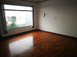 Foto Casa en condominio en Renta en  Uruca,  San José  Casa en condominio por el Hospital México