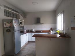 Foto Casa en Venta en  Trelew ,  Chubut  Casa mas dos departamentos