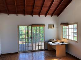 Foto Casa en Venta en  S.Fer.-Libert./Rio,  San Fernando  VITO DUMAS 365