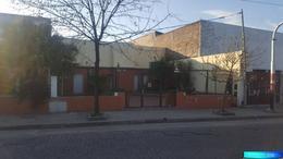 Foto Local en Alquiler en  Roque Saenz Peña,  Rosario  Av. San Martín al 5700