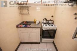 Foto Departamento en Alquiler temporario en  Monserrat,  Centro (Capital Federal)  VENEZUELA 1400