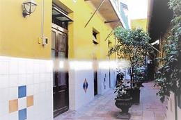 Foto Casa en Venta en  Ciudad Vieja ,  Montevideo  Casona más  Llave Negocio - Guaraní y 25 de Mayo