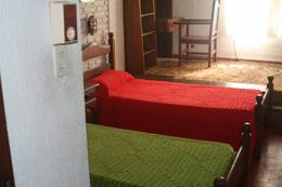 Foto Casa en Venta en  Roldan,  San Lorenzo  BERNSTADT 1000 Casa Increíble en Roldan con Pileta e Inmenso Jardín