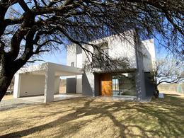 Foto Casa en Venta en  Malagueño,  Santa Maria  La Arbolada Hollywood - Colectora Autopista Cba - Carlos Paz
