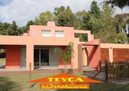 Foto Casa en Venta en  Centro,  Pinamar  Robinson Crusoe 670 E/ Silfides y Gulliver