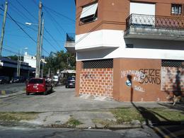 Foto Local en Venta en  Avellaneda,  Avellaneda  C Piñeiro al 100