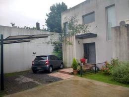 Foto Casa en Venta en  Adrogue,  Almirante Brown  La Rosa al 1000