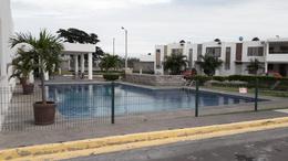 Foto Casa en Renta en  Fraccionamiento Paseo de Las Palmas,  Veracruz  Casa en Renta cerca del Aeropuerto y Cd. Industrial (SEGURIDAD, ALBERCA Y AMENIDADES)