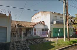 Foto Casa en Venta en  Monte Grande,  Esteban Echeverria  Pellegrini al 400