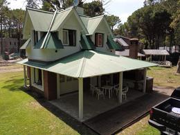 Foto Casa en Venta en  Pinamar ,  Costa Atlantica  PINAMAR