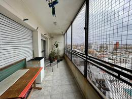 Foto Apartamento en Venta en  Pocitos ,  Montevideo  Amplia y luminosa planta