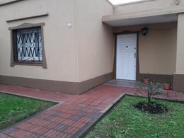 Foto Casa en Venta en  Luis Guillon,  Esteban Echeverria  Arana al 1700