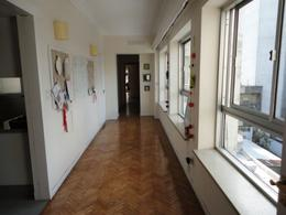 Foto Departamento en Alquiler en  Punta Carretas ,  Montevideo  Apartamento en punta carretas  4 dormitorios y servicio completo