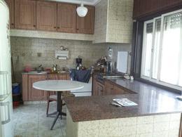 Foto thumbnail Casa en Venta en  Lomas De Zamora ,  G.B.A. Zona Sur  PASO al 300