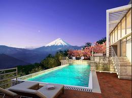 Foto Casa en Venta en  Los Chillos,  Quito  Urb Monte Abruzo - Universidad Internacional