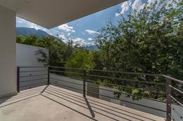 Foto Casa en Venta en  Monterrey ,  Nuevo León  Casa en Venta en Sierra Alta, Carretera Nacional en Monterrey,N.L.