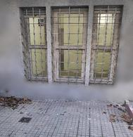 Foto Local en Alquiler en  Pocitos ,  Montevideo  Local con fondo, zona Tienda Inglesa Pocitos