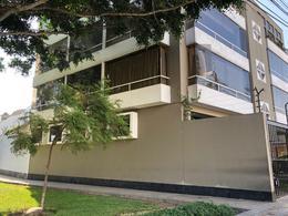 Foto Departamento en Alquiler en  Miraflores,  Lima  Calle Makro Jara