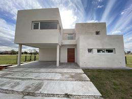 Foto Casa en Venta en  El Trebol,  Haras Santa Maria  Haras Santa María, Barrio El Trebol