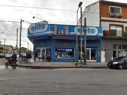 Foto Local en Venta en  Banfield,  Lomas De Zamora  Caaguazu 99