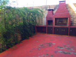 Foto Casa en Venta en  Luque ,  Central  Zona Supermercado Los Jardines
