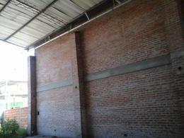Foto Edificio Comercial en Venta en  Ezeiza,  Ezeiza  RACEDO AL al 700