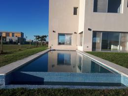 Foto Casa en Venta en  El Canton,  Countries/B.Cerrado  Barrio Islas al 300